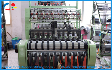 How a webbing machine makes all kinds of webbing