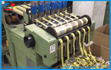 Machine making elastic webbing